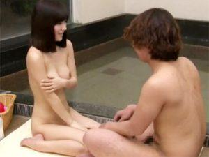 【男女モニタリングadaruto動画】温泉街で出会った巨乳人妻と男子大学生が初対面で混浴した結果ww
