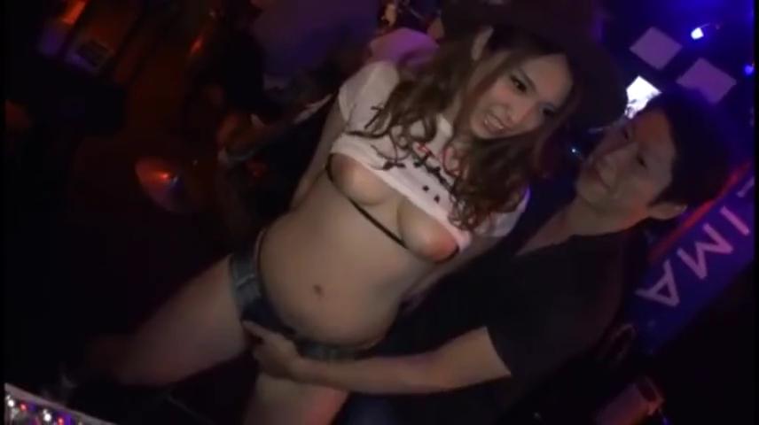 ヤリマンギャル_店内_着衣セックス_中出し_adaruto動画02