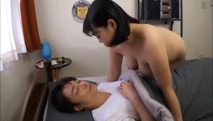 息子を夜這い_熟女ママ_近親相姦セックス_adaruto動画02