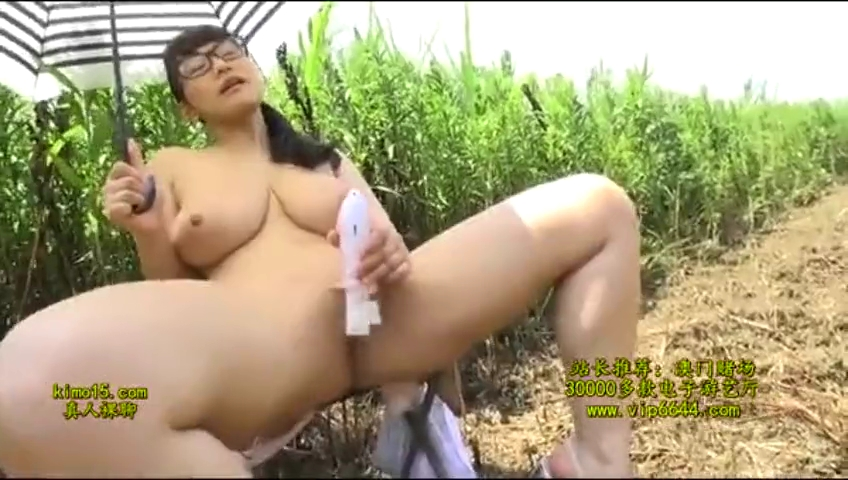 地味子_巨乳_メガネ女子_adaruto動画02