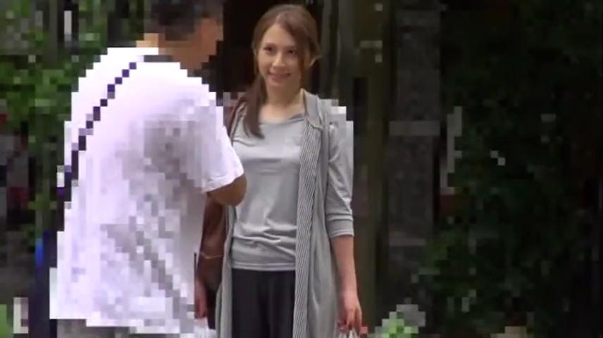 美人妻_ナンパ_車内フェラチオ_adaruto動画01