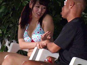 ナイトプール_レイプ_巨乳ギャル_adaruto動画