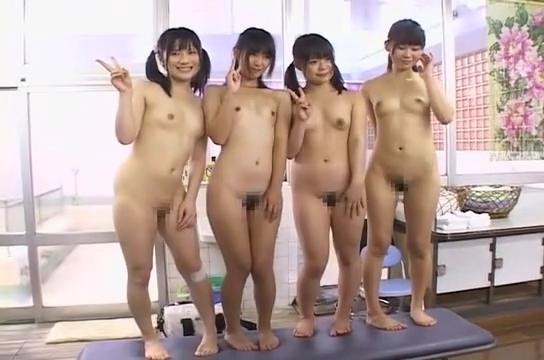 綿パンツとスポブラ_童顔女子_銭湯で洗いっこ_adaruto動画03