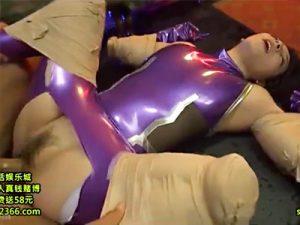 【コスプレ拷問調教adaruto動画】顔面を水中に付けてダルマファック…意識が完全に飛んだ美少女に生中出しww