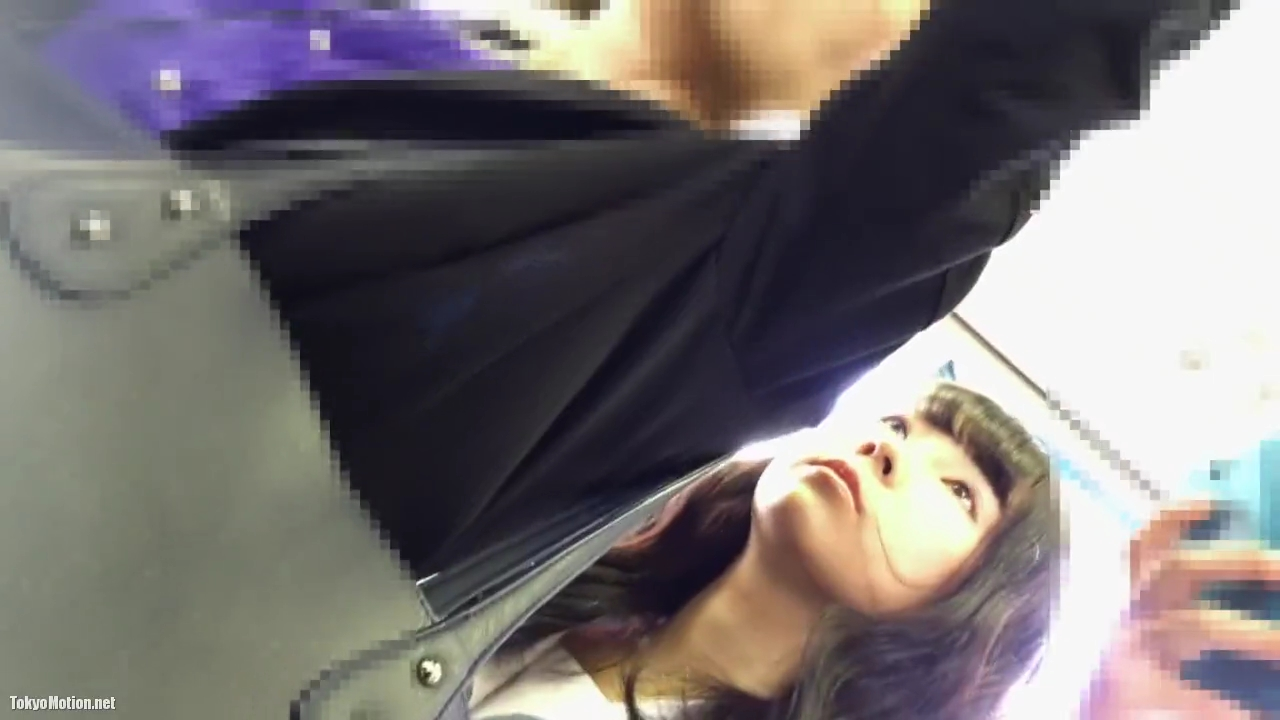 通学_女子校生_綿パンツ_逆さ撮り盗撮_adaruto動画01