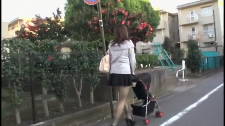 巨乳ママ_ナンパ_フェラチオ_パイズリ_adaruto動画01