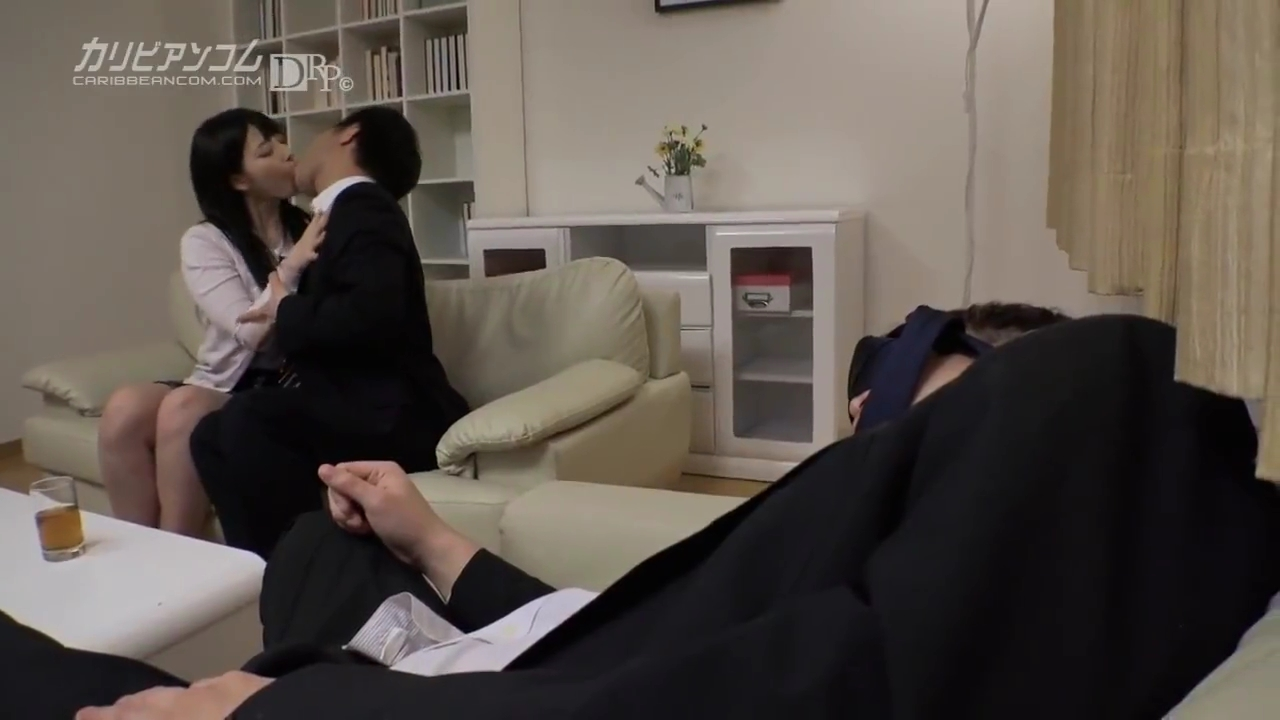 無修正_上原亜衣_人妻_中出しセックス_adaruto動画01