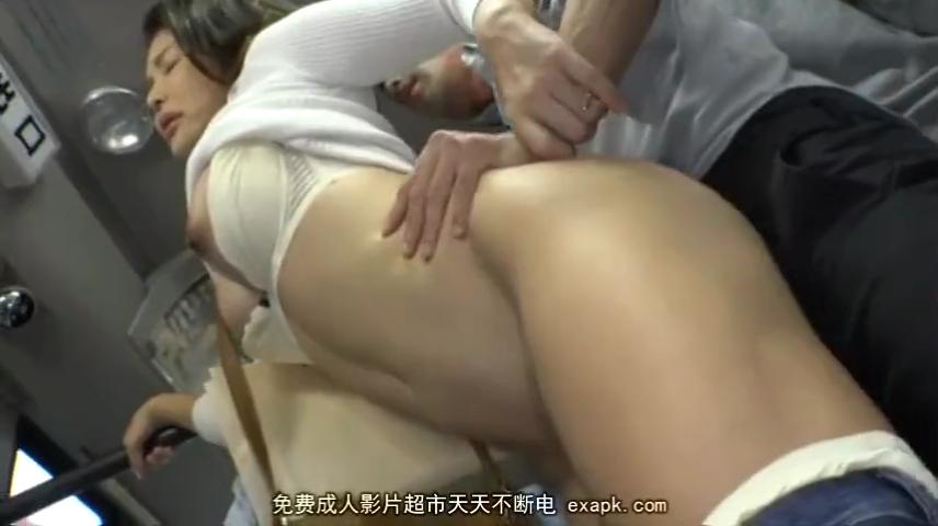 人妻_バス痴漢_着衣セックス_adaruto動画03