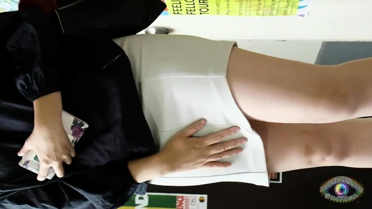 素人_お漏らし_オシッコ_盗撮_adaruto動画04