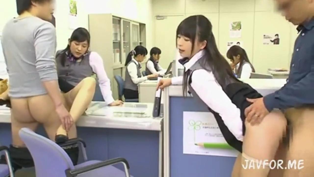 女性銀行員_中出し銀行_adaruto動画03