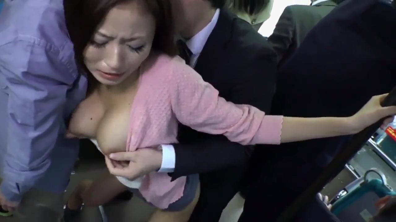 バス痴漢_巨乳人妻_車内セックス_adaruto動画03