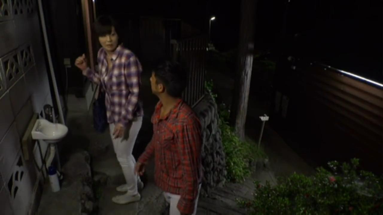 熟女_キャンプ場トイレ_野外セックス_adaruto動画01