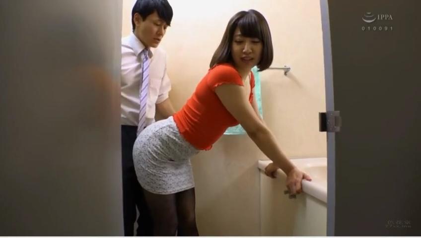 同窓会_人妻_トイレセックス_adaruto動画02