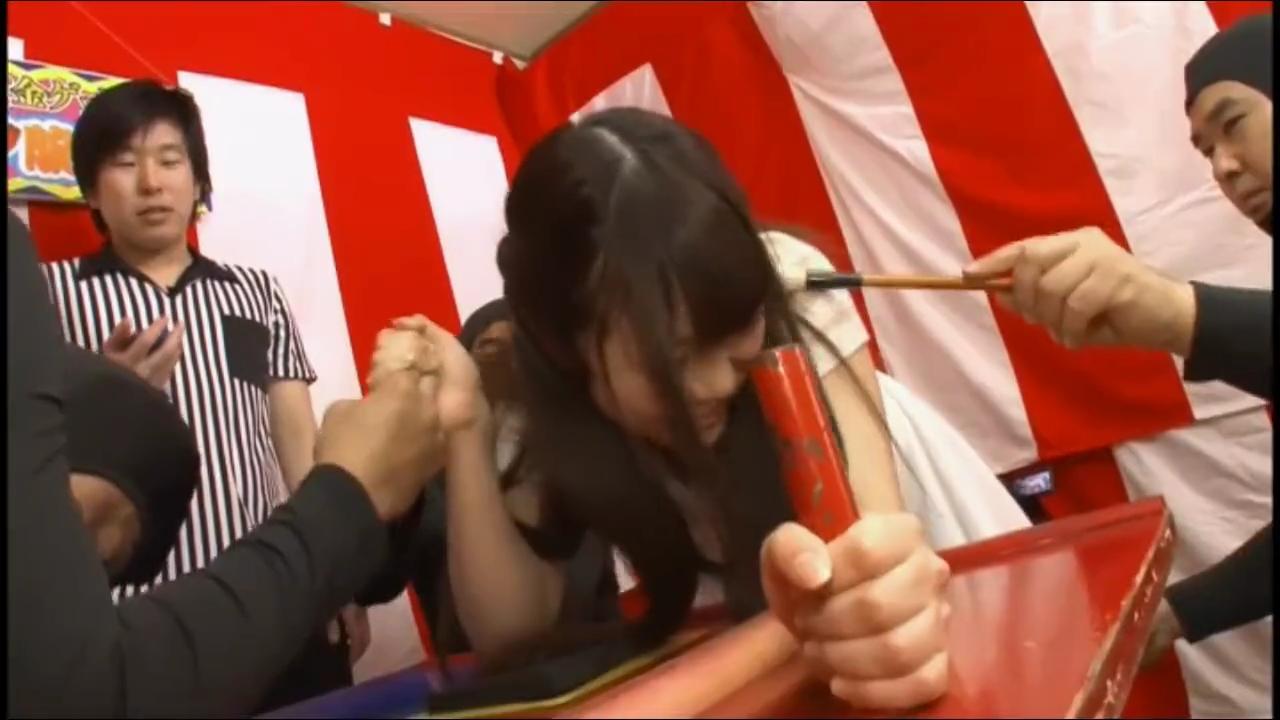 くすぐり腕相撲_女子大生_罰ゲームセックス_adaruto動画01