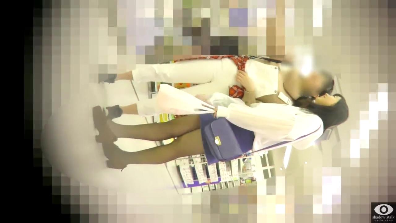 黒パンスト_逆さ撮り_盗撮_adaruto動画01