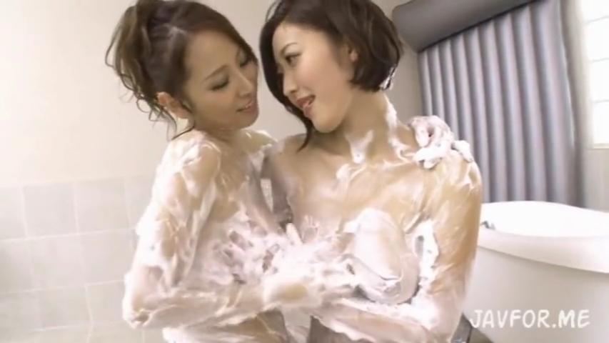 巨乳ソープ嬢_レズバトル_マットプレイ_adaruto動画02