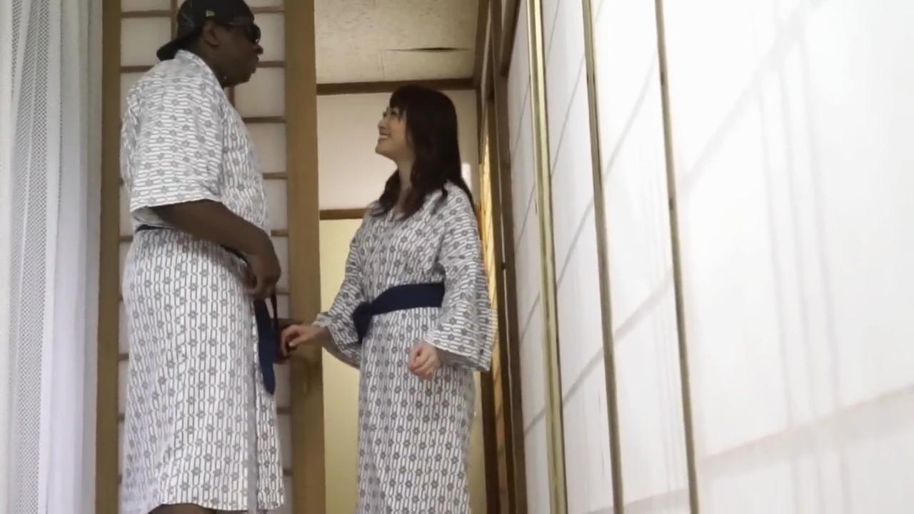 黒人_人妻_中出しセックス_adaruto動画01