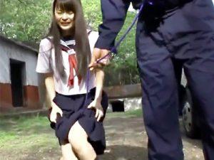 【JKレイプadaruto動画】草むらで野ションしてた女子高生を脅す…おまんこにリードを付けて公衆の面前で散歩ww