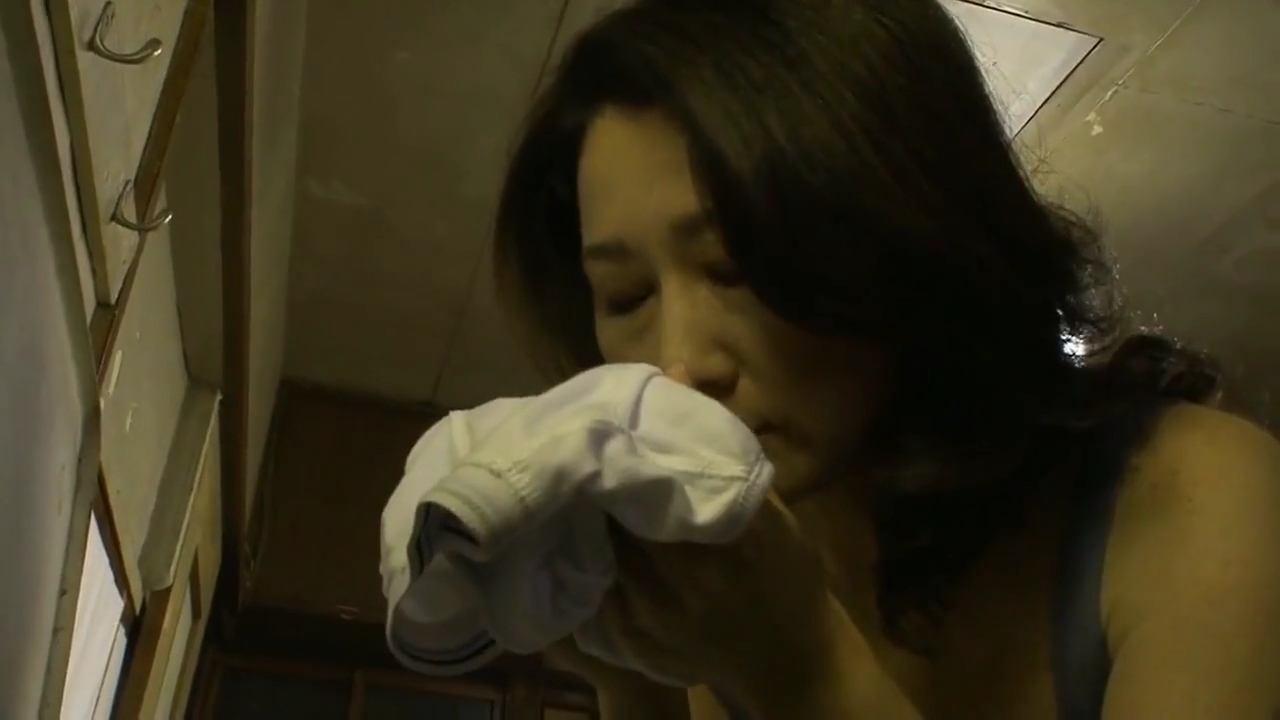 母親_近親相姦_中出し_adaruto動画01
