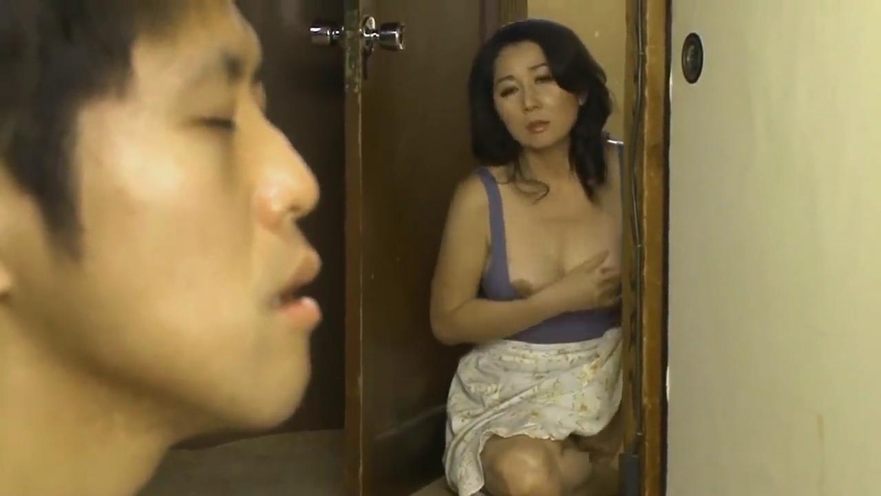 母親_近親相姦_中出し_adaruto動画02