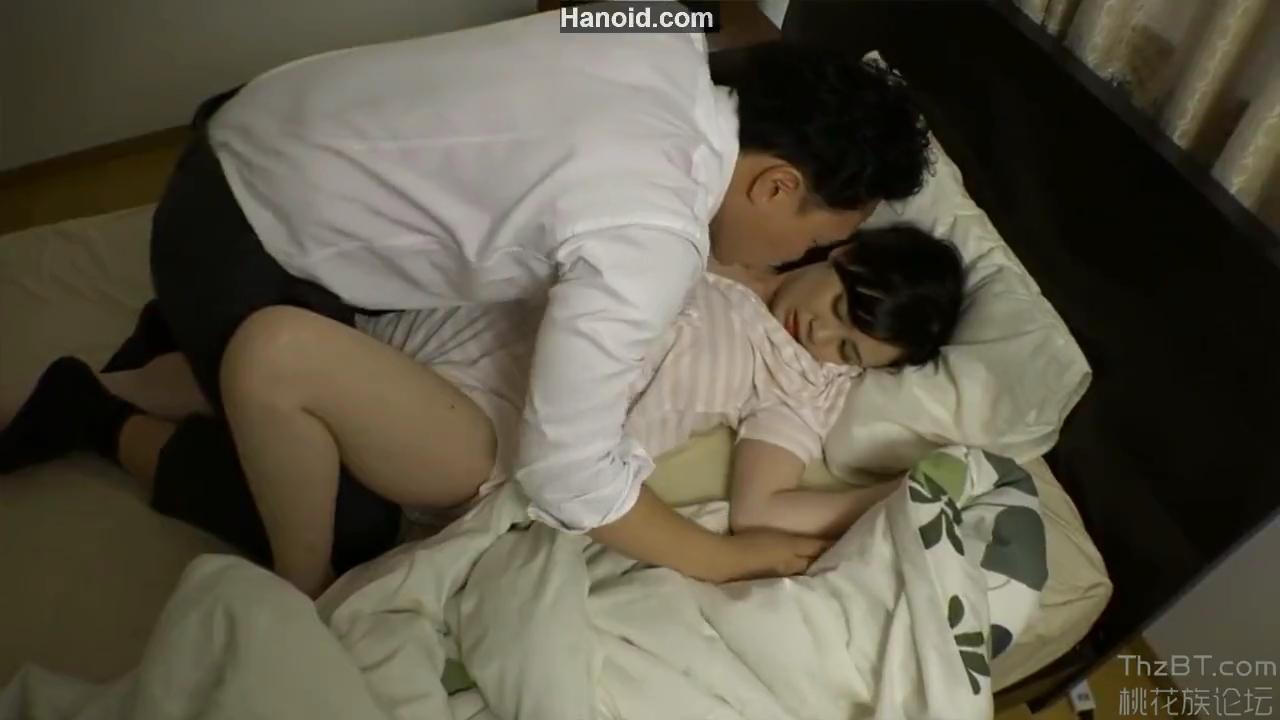 巨乳人妻_夜這い_セックス_adaruto動画02