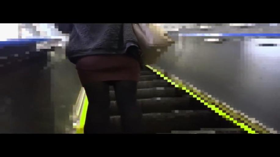 電車_逆さ撮り_痴漢_盗撮_adaruto動画01