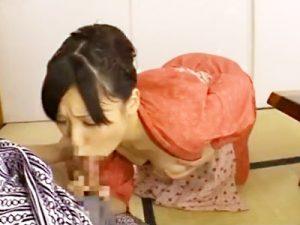 【仲居フェラチオadaruto動画】強引に晩酌を誘う宿泊客…危うくセックスされそうな仲居が逃げるために取った驚きの行動ww