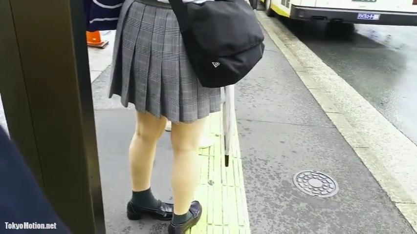 JK_サテン生地_スカート捲り_盗撮_adaruto動画01