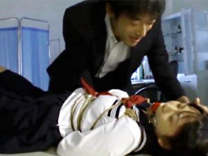 【JKイラマチオadaruto動画】女子校生の小さなクチを見て異常に興奮する教師…ヨダレを垂れ流し嘔吐寸前の本気フェラww