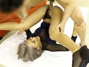 【黒ギャル着衣セックスadaruto動画】ミニタイトワンピースに黒パンストを履いた激エロ衣装の銀髪ギャルww