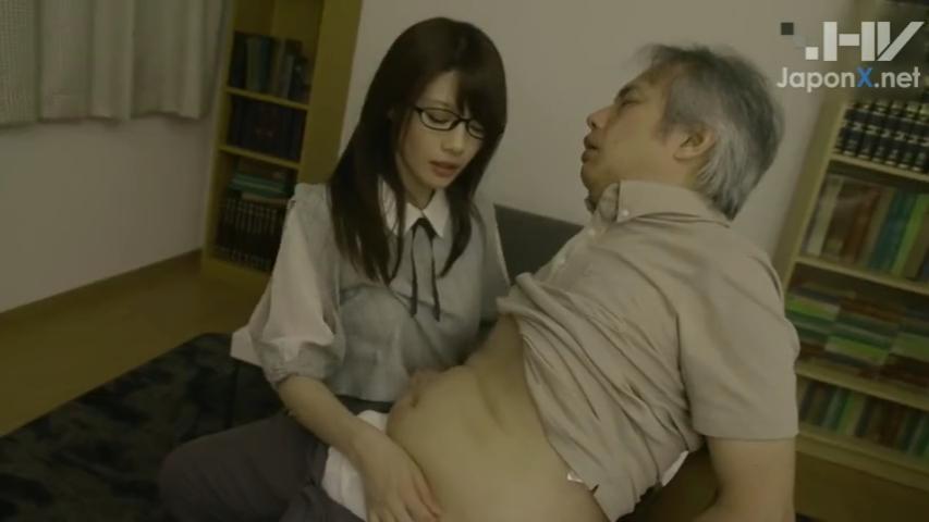 女子大生_中年男性_誘惑セックス_adaruto動画01